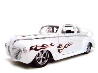 1941 PLYMOUTH CUSTOM WHITE 118 SCALE DIECAST MODEL |