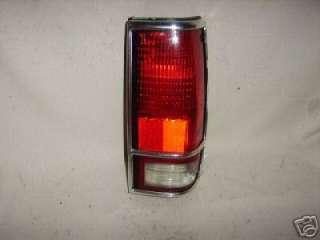 1982 93 CHEVROLET S10 S15 GMC SONOMA Tail Light B27 120