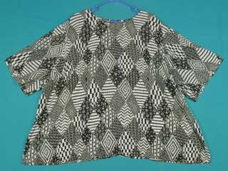 Size 5X 32WE Black Taupe Off White Graphic Shirt Top Blouse