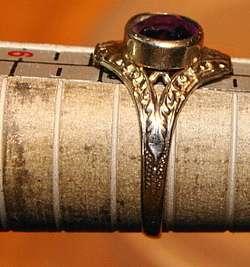 ANTIQUE ART DECO AMETHYST & 10K WHITE GOLD BAND RING