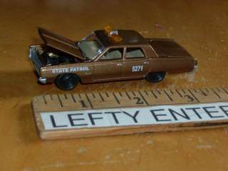 1967 PLYMOUTH FURY II STATE PATROL POLICE CAR SCALE1/64