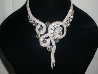 GLAMOROUS BRIDAL CLEAR CRYSTAL STUNNING NECKLACE AND EARRINGS SET