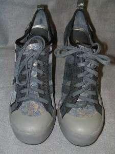 DKNY Erin Womens Newspaper Gold High Heel Shoe 8.5 $130
