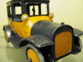 VINTAGE ANTIQUE TIN TOY WIND UP CAR YELLOW TAXI CAB LEHMANN BING CIRCA