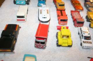 HUGE LOT OF VINTAGE TOY CARS MATCHBOX HOT WHEELS LESNEY