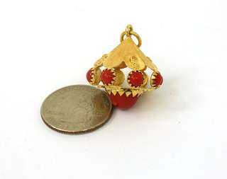 ORNATE VINTAGE 18K GOLD & RED CORAL CHARM PENDANT
