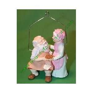 MR. & MRS. CLAUS   2ND   HOME COOKING   HALLMARK ORNAMENT