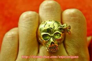 VINTAGE JEWELRY SKULL and BEE BRASS GOLD RING DESIGN