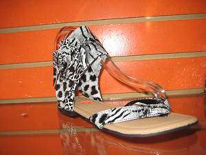 Top moda leopard print flower black/white flat sandal shoes size 7 10