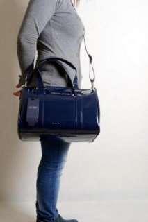 Armani Jeans  borsa handbag pytel cymka bauletto blu vernice tracolla