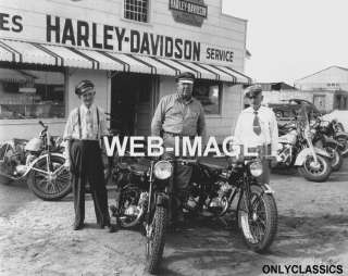 1951 HARLEY DAVIDSON MOTORCYCLE DEALER PHOTO GREAT SIGN