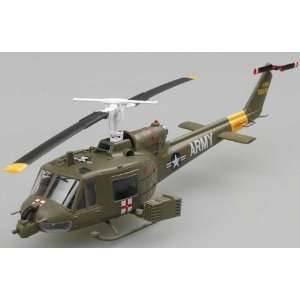 72 UH1B Huey US Army Helicopter Vietnam 1967(Built Up Toys & Games
