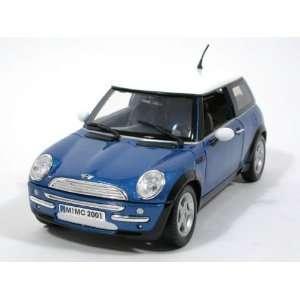 2006 Mini Cooper diecast model race car 118 die cast by