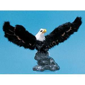 com Eagle On Rock Decoration Model Collectible Figurine Figure Statue