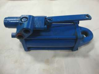 FORD TRACTOR REMANED POWER STEERING CYLINDER AND VALVE ASSEMBLY 5000